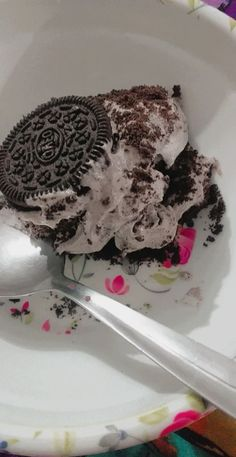 Creamy chocolate oreo Delight . That was so delicious. Oreo Delight, Chocolate Oreo, Cake, Desserts, Food, Pie Cake, Tailgate Desserts, Pastel, Meal