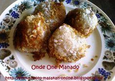 ONDE ONDE MANADO  Ini dia Onde ondenya orang Manado. yuk simak resepnya http://aneka-resep-masakan-online.blogspot.co.id/2015/04/resep-kue-onde-onde-manado.html