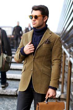 Ralph Lauren blazer  Heritage hand made wool sweater  Incotex pants  Rinaldo Ferrari shoes  Ottica Bergomi sunglasses  Hèrmes Kelly Depeche briefcase