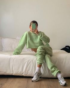 Mode Outfits, Trendy Outfits, Fashion Outfits, How To Have Style, My Style, Mint Green Aesthetic, Pretty Green, Green Fashion, Shades Of Green