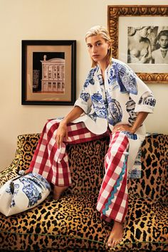Max Mara and Anthony Baratta team up to design Nantucket, a summery weekend collection Look Fashion, Daily Fashion, Fashion Design, Street Fashion, Summer Minimalist, Collection Capsule, Inspiration Mode, Mixing Prints, Mode Style