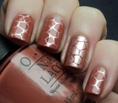 Double giraffe print - OPI Schnapps Out Of It! stamped with China Glaze Poetic and 2 images from Bundle Monster plate 313
