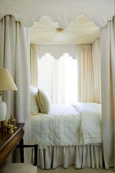 canopy bed. Phoebe Howard | More decor lusciousness here: http://mylusciouslife.com/photo-galleries/architecture-and-design-beautiful-buildings-gardens-and-decor/