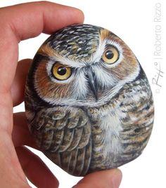 Original Hand Painted Rock Owl A Stunning Piece by RobertoRizzoArt Painted Rocks Owls, Owl Rocks, Painted Rock Animals, Painted Gourds, Painted Stones, Stone Crafts, Rock Crafts, Art Pierre, Rock Painting Designs