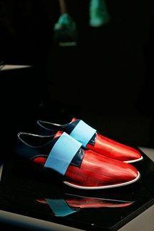 See all the Collection photos from Nicholas Kirkwood Spring/Summer 2015 Menswear now on British Vogue Brogues, Loafers, Ted Baker Womens, Nicholas Kirkwood, Spring Summer 2015, Oxford, High Heels, Menswear, Mens Fashion