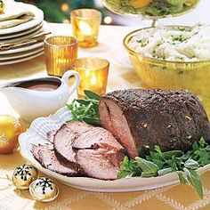 Worthy of a special occasion, Beef Roast with Red-Wine Gravy makes the list. This boneless sirloin roast is seasoned with sliced garlic cloves and a Christmas Main Dishes, Easy Christmas Dinner, Christmas Roast, Easter Dinner, Holiday Dinner, Holiday Recipes, Great Recipes, Favorite Recipes, Christmas Recipes