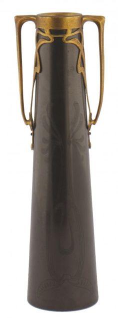 Art Nouveau bronze and gilded vase   JV