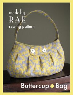 buttercup bag tutorial. A tutorial for making a zippered top buttercup bag can be found at craftster.org