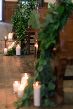 Cascading eucalyptus and candles! #berkshirewed #taraconsolatievents