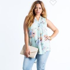 Floral High low top Super cute everyday blouse! Color is Mint Green Tops