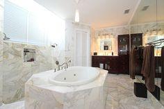 662 Glenridge in #KeyBiscayne Bathroom