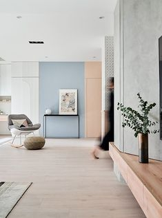 Pink and blue home interiors, featuring pink and blue kitchens, pink and blue living rooms, stylish home workspaces, plus pink and blue decor accessories too. Design Café, Deco Design, House Design, Terrazzo, Apartment Renovation, Apartment Interior Design, Interior Pastel, Interior Design Examples, Appartement Design