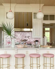 Looking for dream kitchen inspiration? Be tempted by these stunning nature inspired luxurious kitchens by top interior designers! Home Decor Kitchen, Kitchen Interior, Home Kitchens, Tuscan Kitchens, Pink Kitchens, Condo Kitchen, Kitchen Cleaning, Kitchen Cabinets, Küchen Design