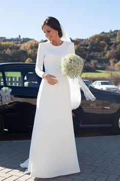 Gorgeous Wedding Dresses - Really gorgeous fashion example. Notice - pin suggestion status 6227696519 generated on this date 20190401 Simple Wedding Gowns, Minimalist Wedding Dresses, Black Wedding Dresses, Long Sleeve Wedding, Bridal Dresses, Wedding Ideas, Rustic Wedding, Dress Wedding, Fall Wedding