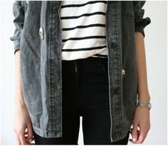 Casual outfit / fall fashion / fall outfits / black jeans / white and black striped shirt / gray jacket / casual fashion /