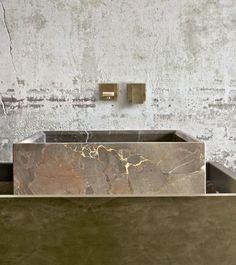 Marble bathroom sink. Renai & Renai