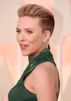 We are in love with Scarlett Johansson's hair for the 2015 Oscar's! Making herself stand out from the crowd with this fierce look. Edgy and daring, just how we like it! Check out ProHairKit.com for our kit The bearded lady to create this look. #prohairkit #hair #thebeardedlady #oscars2015 #theoscars #ScarlettJohansson #hairstylist #hairdresserlove #hairinspiration