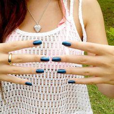 melanie empezando un buen fin de semana con uñas maniátikas #nailart #nailartperu #uñasmaniatikas #bluenails #metallicblue