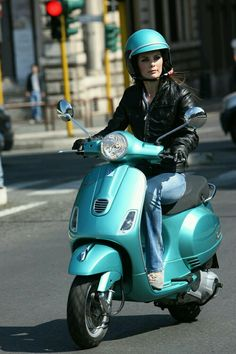 love the color Vespa Bike, Lambretta Scooter, Vespa Scooters, Piaggio Vespa, Vintage Vespa, Dirt Bike Girl, Lady Biker, Biker Girl, Ducati