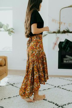 Floral maxi skirt - - Floral maxi skirt Source by Fashion Mode, Modest Fashion, Boho Fashion, Fashion Outfits, 80s Fashion, Earthy Fashion, Classy Fashion, Dress Fashion, Style Fashion