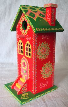 Bright Flourescent Pink Birdhouse with Green Roof by SingingTrees