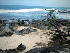 Karang Taraje Beach, Sawarna, Banten