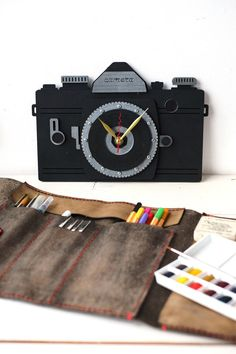 Camera wooden Wall Clock by wandrstore on Etsy Welcome Wagon, Unique Wall Clocks, Diy Clock, New Shop, Wooden Walls, Traveling By Yourself, Tips, Etsy, Ideas