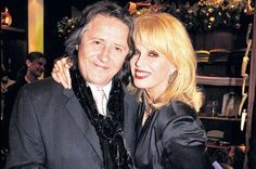Joanna Lumley knew she should be with husband Stephen before they even met Joanna Lumley Young, Celebrity Diets, Ab Fab, Tv Awards, British Comedy, New Avengers, Raquel Welch, Famous Couples, English Actresses