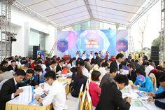 Vào ngày 9/1/2016, chủ đầu tư TNR Holdings Vietnam và đơn vị phân phối Đất Xanh Miền Bắc đã tổ chức thành công lễ khai trương căn hộ mẫu của dự án Goldmark City tại phòng bán hàng của dự án. Khách hàng được đến tham quan 4 căn hộ mẫu ngay tại đây gồm các loại căn hộ: diện tích từ 78 m2 có 2 phòng ngủ đến 161 m2 có 3 phòng ngủ.  http://datxanhmienbac.info/can-ho-mau-goldmark-city-ron-rang-ngay-khai-truong.html