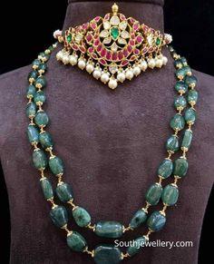 Ruby polki choker and emerald beads haram photo Ruby Jewelry, Emerald Jewelry, Gold Jewelry, Sterling Jewelry, Beaded Jewelry, Bead Jewellery, Temple Jewellery, Diamond Jewelry, Fine Jewelry