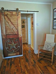 Best Bedroom Rustic Western Barn Doors 50 Ideas - Western Home Decor Living Room Western Bedroom Decor, Western Bedrooms, Rustic Western Decor, Country Decor, Rustic Barn, Bedroom Rustic, Western Style, Western Bedding, Diy Bedroom