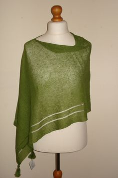 Check out this item in my Etsy shop https://www.etsy.com/uk/listing/468827319/fall-scarf-womens-knit-green-linen
