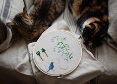 #allthebeautifulthings #stitching #needlework #embroidery #handmade #cat #cats #catlove #lazyday #lazy