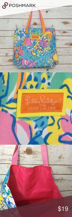 "Lilly Pulitzer Estée Lauder bag NWOT Lilly Pulitzer Estée Lauder bag NWOT 16x15x4 1/2 with 8"" drop. Spring Break, beach bag, cruise wear Lilly Pulitzer Bags"