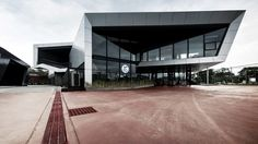 Nat Motor Head Office / M space