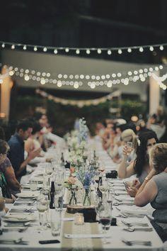 Stunning al fresco wedding with vintage glamour - Hochzeit Wedding Table, Fall Wedding, Diy Wedding, Wedding Reception, Dream Wedding, Wedding Seating, Wedding Blog, Tent Wedding, Wedding Dinner