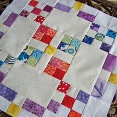 How to do Big Stitch Hand Quilting with Perle Cotton tutorial Quilting Tutorials, Quilting Tips, Hand Quilting, Quilting Projects, Quilting Designs, Quilting Board, Modern Quilting, Machine Quilting, Sewing Projects