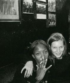 Dublin 1994 Kate Moss & Naomie Campbell