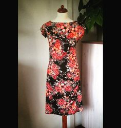 Handmade #fashion #design #sewing #sew #nähen #instafashion #fashionista #fashionblogger #sewinglove #love #colorful #colors #kleid #clothes #mode #handmade #creative #creativematerial #material #stoff #handmadedress #style #pic #instagood  #dress #outfit #selfmade