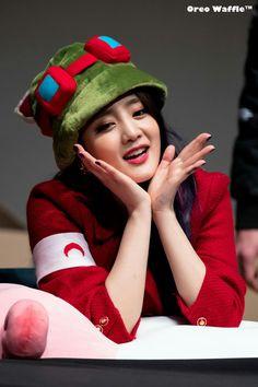 Cute Korean Girl, South Korean Girls, Korean Girl Groups, Pretty Movie, Kim Min Hee, Cube Entertainment, Pink Princess, Girl Photography Poses, Hollywood Actresses