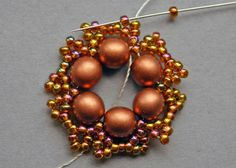 "8 Beaded Treasury: Free Tutorial: ""Flower Tale"" earrings"