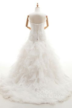 Romantic Sweetheart Natural Court Train Organza Ivory Sleeveless Lace Up-Corset Plus Size Wedding Dress Appliques Ruffles CWLT1600F#Cocomeldy#Weddingdresses#Bridalgown#