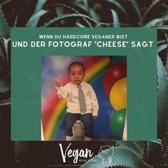 Für MEHR folge uns auf @veganwassonst             #veganwassonst #veganmemes #veganmemes #funnymemes #funnyphotos #veganleben #dairyisscary #milch #gesundeernährung #ernährungsumstellung #vegandeutschland #vegansofgermany #veganer #veganismus #pflanzlicheernährung #veganessen #nachhaltigkeit #vegankochen #veganaustria #veganvienna #ernährung #veganwerdenwaslosdigga Hardcore, Vegan Memes, Instagram, Vegans, Milk, Sustainability, Healthy Food