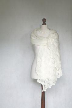 GOTOWY DO WYSYŁKI! Biały jedwabny ślubny szal w KNITWEAR-FACTORY na DaWanda.com