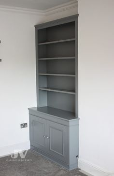 23 Alcove Shelving Ideas for your Living room | JV Carpentry Alcove Storage Living Room, Living Room Cupboards, Built In Shelves Living Room, Alcove Bookshelves, Alcove Shelving, Shelving Ideas, Bookcases, Alcove Cupboards, Fitted Cabinets