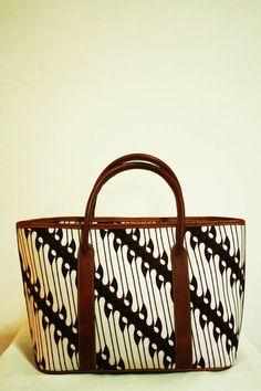 Galih Parang Batik Top Handle Bag