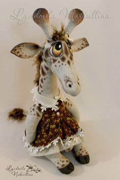 Our goal is to keep old friends, ex-classmates, neighbors and colleagues in touch. Stuffed Animal Patterns, Diy Stuffed Animals, Giraffe Decor, Milk And Honey, Leopards, Cold Porcelain, Diy Toys, Art Dolls, Deer