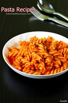 Pasta recipes – 14 quick, delicious, easy simple tasty pasta recipes with step by step photos & videos. Enjoy these pasta spaghetti with some toasted bread Yummy Pasta Recipes, Sauce Recipes, Dinner Recipes, Pasta Recipes Vegetarian Indian, Simple Pasta Recipes, Indian Recipes, Hummus, Healthy Pastas, Healthy Recipes