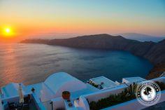 Sunday Snapshot | The Best Sunset In Santorini Isn't In Oia, It's Here #travel #explore #mustdo #mustsee #bucketlist #wanderlust #Greece
