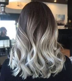 Tie and dye blond – des cheveux yin et yang gray white tie and dye with shading sweep on dark and long dark curly hair Dark Brown Long Hair, Dark Curly Hair, Grey Hair Brown Roots, Gray Hair, Short Hair, Hair Color Balayage, Blonde Balayage, Blonde Ombre, Dark Blonde
